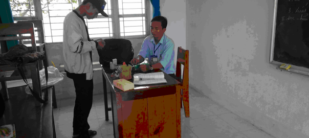 Thầy Nguyễn Long Hải giáo viên môn Lịch sử- Trường THCS Phú Ninh- Tam Nông –Đồng Tháp  Hướng dẫn em Nguyễn Chí Chơn học sinh lớp 9/2 làm sản phẩm dự thi khoa học kĩ thuật .